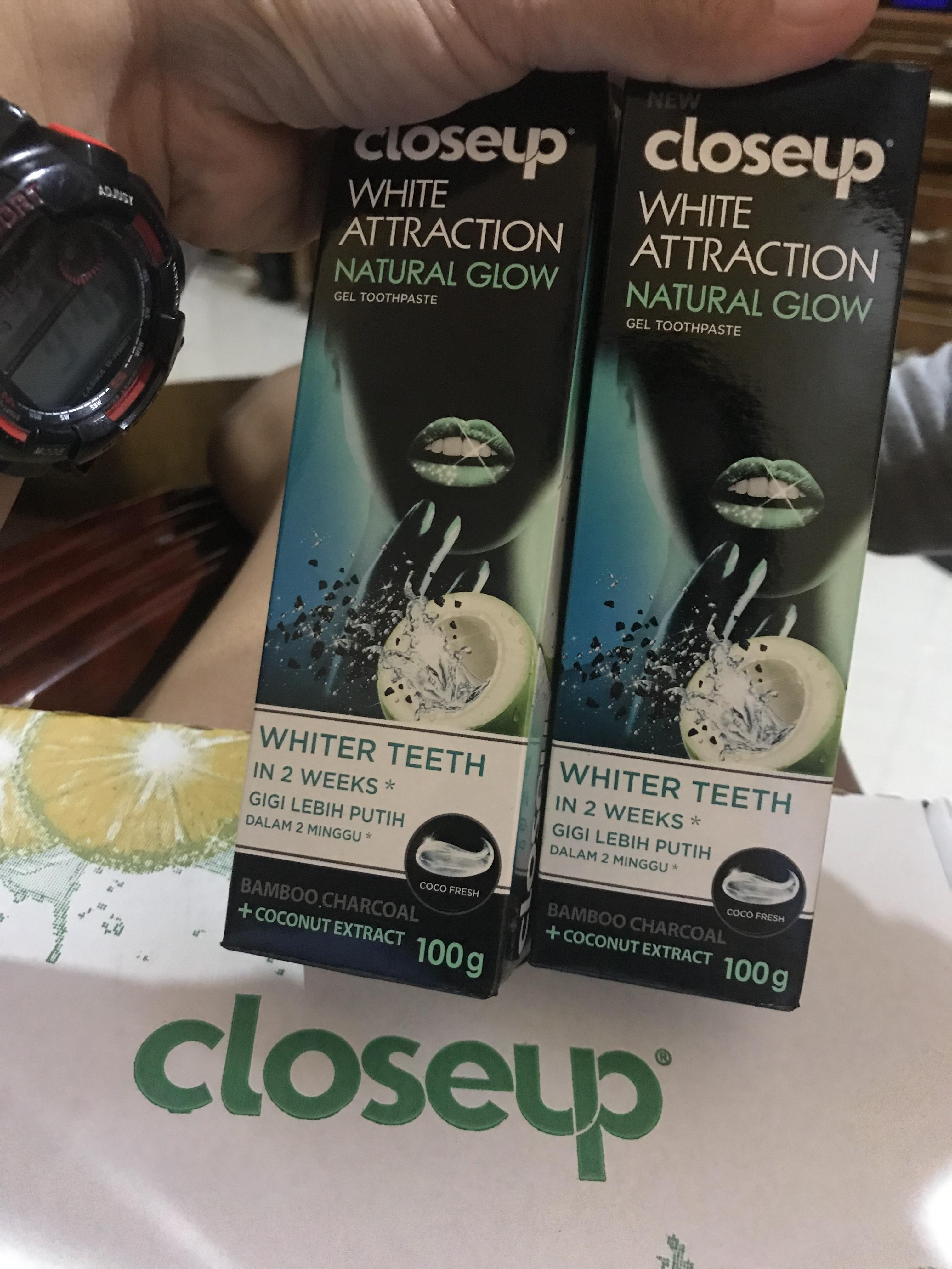 Closeup white attraction natural glow by Closeup philippines